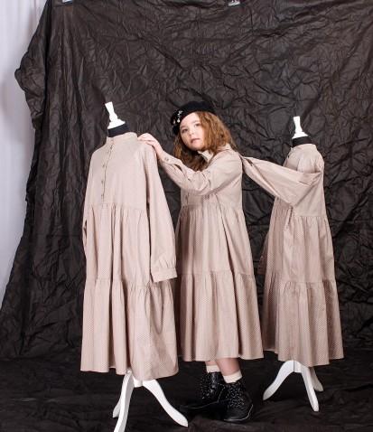 Платье в горох с воротником-стойка