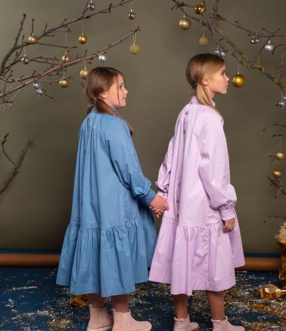 Платье с воланом в бирюзовом цвете