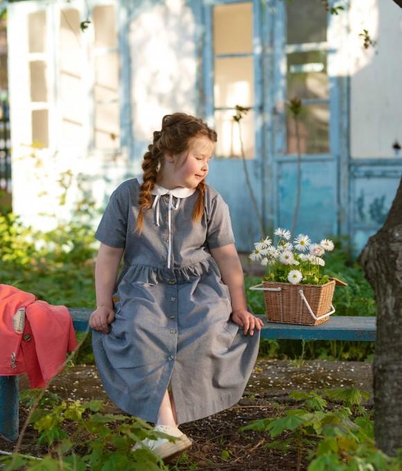 Синее платье Анна из льна с белым воротником
